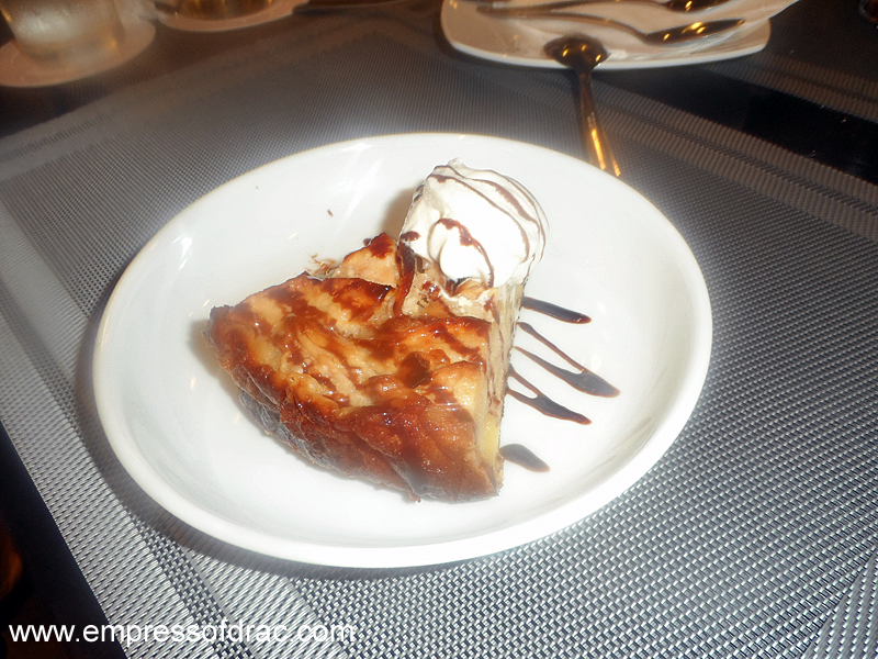 La Busa Italian Restaurant Cebu - Apple Pie
