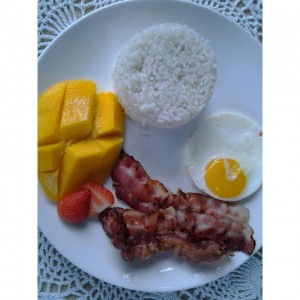 Breakfast at Allan Bognot Guesthouse in San Juliana Capas Tarlac